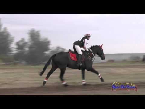 039XC Amanda Blaszkowski On King West SR Training Cross Country FCHP November 2015